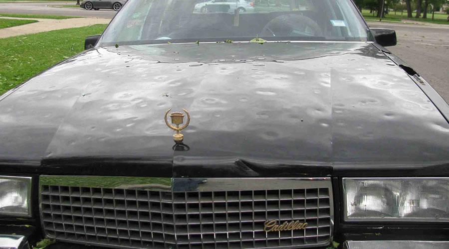 お車に被害を受け凹んでいる場合などは修復歴のつかないデントリペアを一度ご検討ください。車輌保険加入している場合は、自然災害での保険が適用されます。
